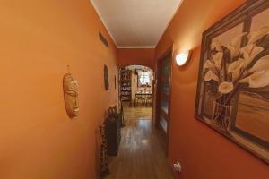 06 - Pohled z chodby do kuchyně